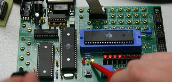 board-409582_1920